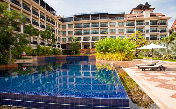 angkor_miracle_resort_pool.jpg