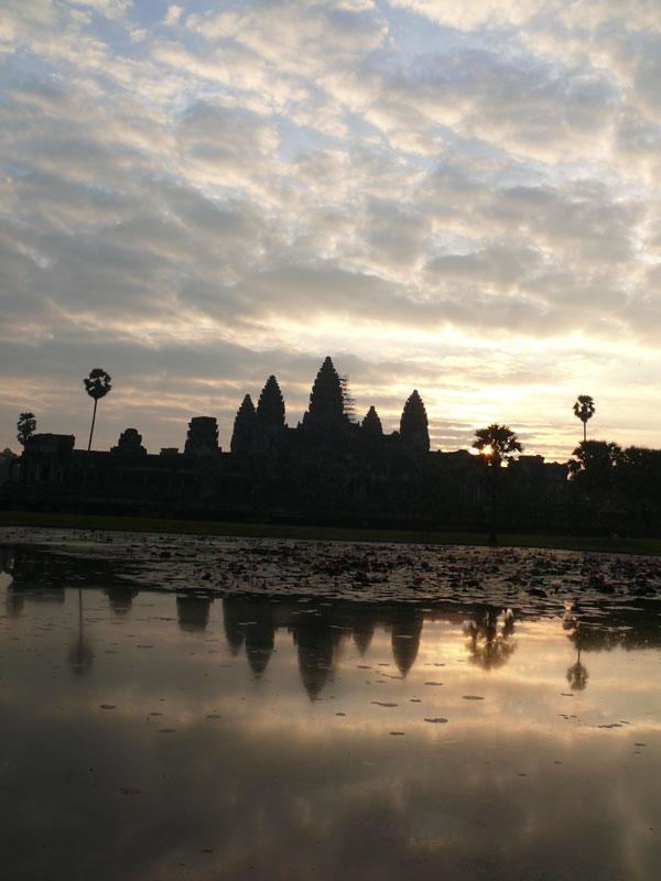 angkor_wat_temple_sunset.jpg