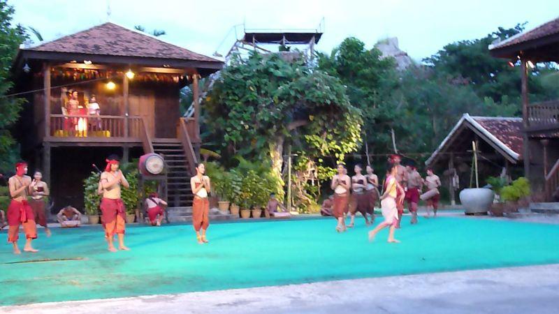 cambodian_cultural_village.jpg