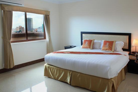 cardamom-hotel-city-suite.jpg