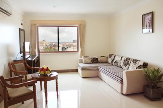 cardamom-hotel-city-view-living-room.jpg