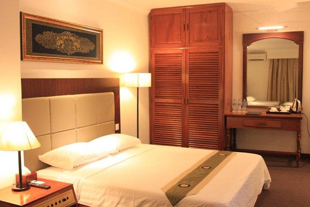 diamond-hotel-phnom-penh-deluxe-double.j