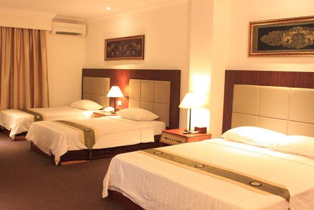 diamond-hotel-phnom-penh-deluxe-triple.j