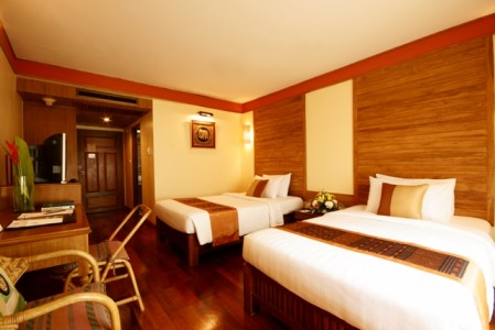 juliana_hotel_Deluxe_pool_view5.jpg
