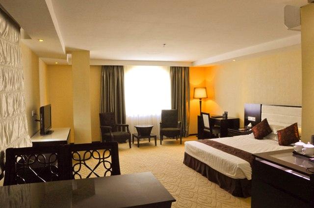 landscape-hotel-deluxe-room.jpg