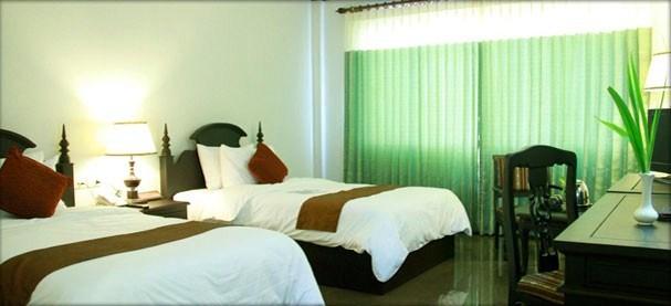 lucky-angkor-hotelDeluxe-Twin.jpg
