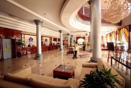 ree-hotel-lobby.jpg