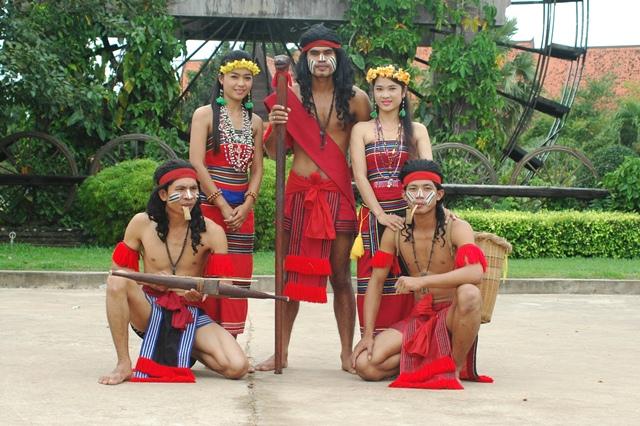 cambodia-cultural-village1.jpg