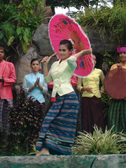 cambodia-cultural-village19.jpg