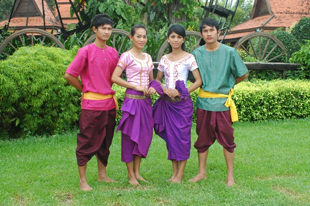 cambodia-cultural-village3.jpg